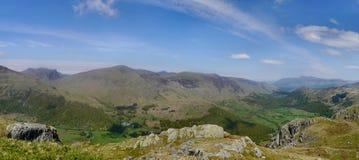 Panoramisch van Rosthwaite viel over Combe Royalty-vrije Stock Foto's