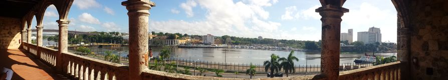 Panoramisch vom Ozama-Fluss, Dominikanische Republik Lizenzfreies Stockfoto