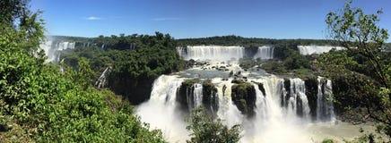 Panoramisch von den Iguaçu-Wasserfälle Lizenzfreie Stockfotografie