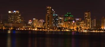Panoramisch von San Diego (Nacht) Stockfotos