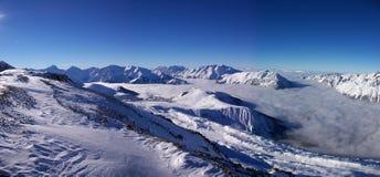 Panoramische Alpenansicht stockbild