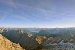 Panoramische Ansicht über die Alpen vom Zugspitze Stockfoto