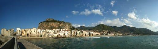 Panoramische Ansicht der Cefalu Ufergegend. Sizilien Lizenzfreies Stockbild