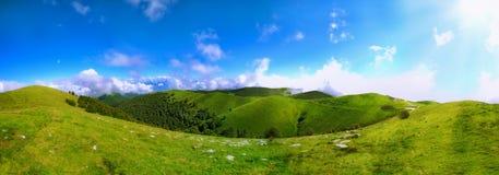 Panoramische Ansicht der Hügel Lizenzfreie Stockfotografie