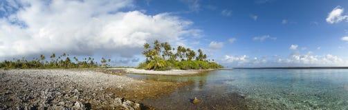 Panoramische Ansicht der tropischen Insel Lizenzfreie Stockbilder