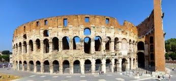 Panoramische Ansicht des Colosseum in Rom Lizenzfreies Stockfoto