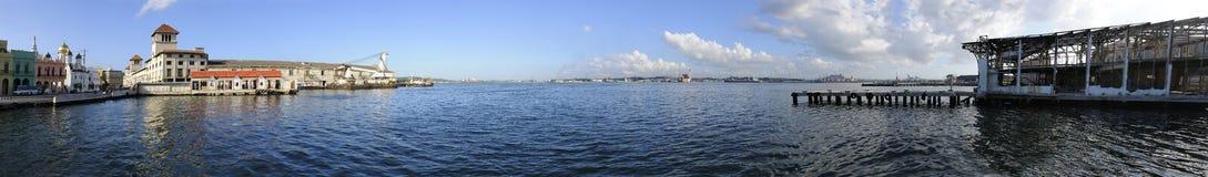 Panoramische Ansicht des Havana-Hafendocks Stockfotos