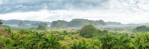 Panoramische Ansicht des Vinales Tales in Kuba Lizenzfreie Stockbilder