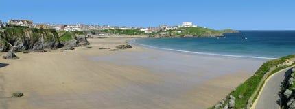 Panoramische Ansicht des Western-Strandes in Newquay. Lizenzfreie Stockfotos