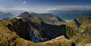 Panoramische Ansicht N die schönen Hügel von Schweizer Alpen Lizenzfreies Stockfoto
