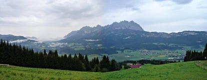 Panoramische berg-ketting \ Wildere Kaiser \ Stock Afbeelding