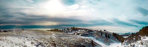 Panoramische berg terwijl er een blizzard is Royalty-vrije Stock Afbeeldingen