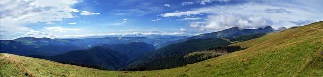 Panoramische bergmening stock afbeelding