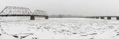Panoramische bevroren Susquehanna-Rivier met ijsblokken Royalty-vrije Stock Afbeeldingen