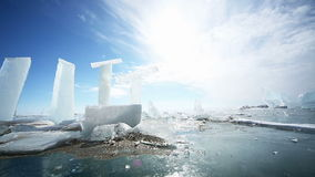 Panoramische Bewegung entlang einem Eis-Block stock video
