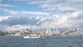 Panoramische cityscape over Bosphorus in Istanboel Turkije Stock Afbeelding