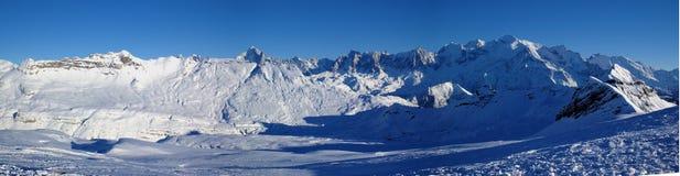 Panoramische de sneeuwmening van Mont Blanc stock afbeeldingen