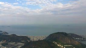 Panoramische die timelapse met Rio de Janeiro van Corcovado wordt bekeken stock videobeelden
