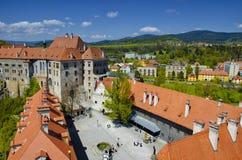 Panoramische Draufsicht des Schlosses in Cesky Krumlov Grenzstein der Tschechischen Republik Lizenzfreies Stockfoto