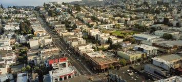 Panoramische Draufsicht Eureka-Talnachbarschaft mit dem Sommer nebelig stockfotografie