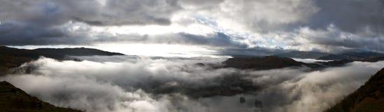 Panoramische Fairfiled Hufeisen-Wolken lizenzfreie stockbilder