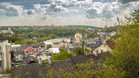 Panoramische Frühlingsansicht von Buchach-Stadt Ternopil Oblast, Ukraine Lizenzfreies Stockbild