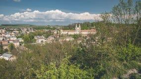 Panoramische Frühlingsansicht von Buchach-Stadt Ternopil Oblast, Ukraine Stockbilder