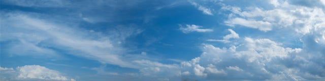Panoramische hemel met wolk Stock Afbeelding