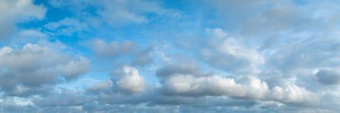 Panoramische hemel met wolk Royalty-vrije Stock Foto