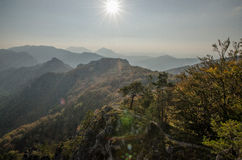 Panoramische herfstmening van de Rotsachtige Bergen van Sulov - sulovske skaly - Slowakije Stock Fotografie