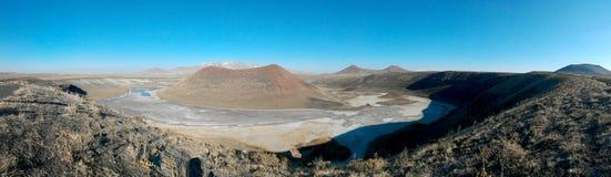 Panoramische het meer van de Mekekrater stock afbeeldingen