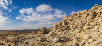 Panoramische Heuvel van samen Opgestapelde Keien Stock Afbeelding
