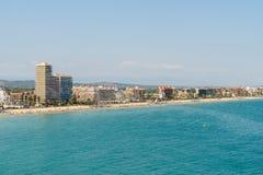 Panoramische Horizonmening van Peniscola-de Toevlucht van het Stadsstrand bij Middellandse Zee Royalty-vrije Stock Fotografie