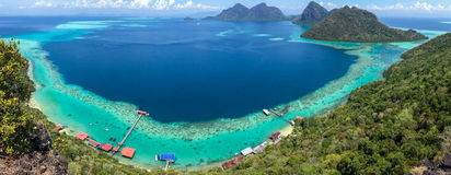 Panoramische Küstenlinie in Boheydulang-Insel lizenzfreie stockfotos
