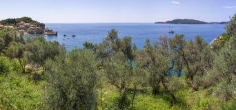 Panoramische Landschaft der Bucht Budva Riviera in Montenegro, Balkan, adriatisches Meer, Europa Lizenzfreies Stockbild