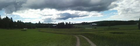 Panoramische Landschaft des Ackerlands stockbilder