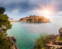 Panoramische Landschaft des Inselresorts Sveti Stefan montenegro Stockbild
