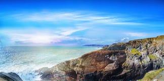 Panoramische Landschaft einer Küste in a südwestlich Irlands stockfoto