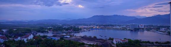 Panoramische landschapsmeningen van en rond de bergen van Puerto Vallarta Mexico, stad en tropische wildernissen royalty-vrije stock fotografie