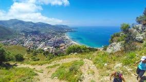 Panoramische luchtmening van Cefalu-stad, Sicilië, Italië stock videobeelden
