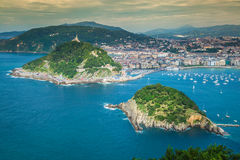 Panoramische luchtmening van San Sebastian Donostia Spain stock foto