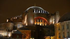 Panoramische Nahaufnahmeansicht von Hagia Sophia stock video