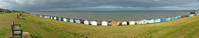 Panoramische overzeese van strandhutten mening stock afbeeldingen