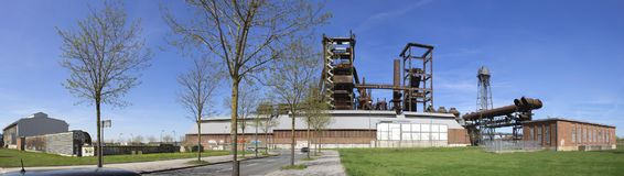 Panoramische Skyline des Stahlwerks Phoenix West in Dortmund stockfotos