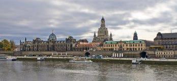 Panoramische Szene in Dresden, Deutschland lizenzfreie stockbilder