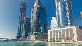 Panoramische timelapsemening van bedrijfsbaai en het gebied van de binnenstad van Doubai stock videobeelden