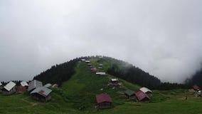 Panoramische timelapsemening van Pokut-plateau in de Zwarte Zee karadeniz, Rize, Turkije stock footage