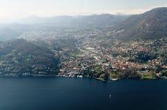 Panoramische Vogelperspektive der Stadt des Sees Como und Lecco, Italien Lizenzfreies Stockfoto