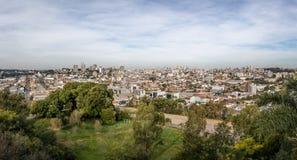 Panoramische Vogelperspektive von Caxias tun Sul-Stadt - Caxias tun Sul, Rio Grande do Sul, Brasilien Lizenzfreies Stockfoto
