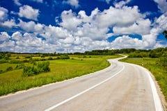 Panoramische weg in binnenlands van Istria Stock Afbeeldingen